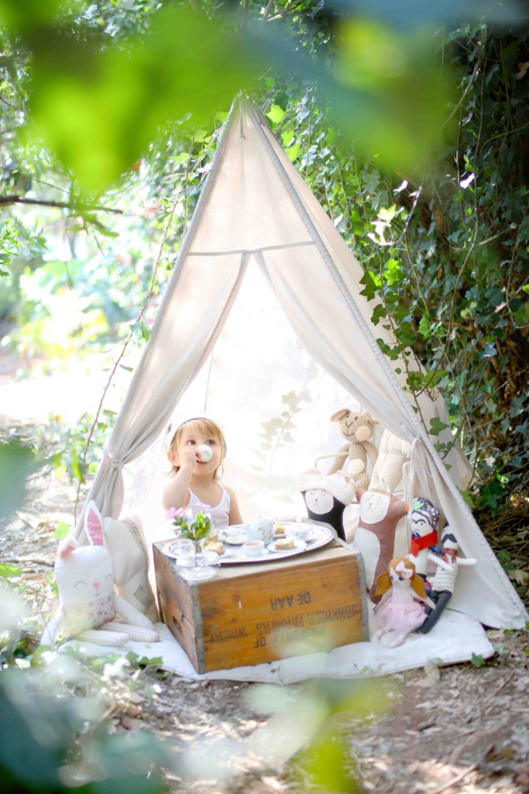jam_lia-turns-two-teddy-bears-picnic-outdoor-teepee-shoot-4-768x1152