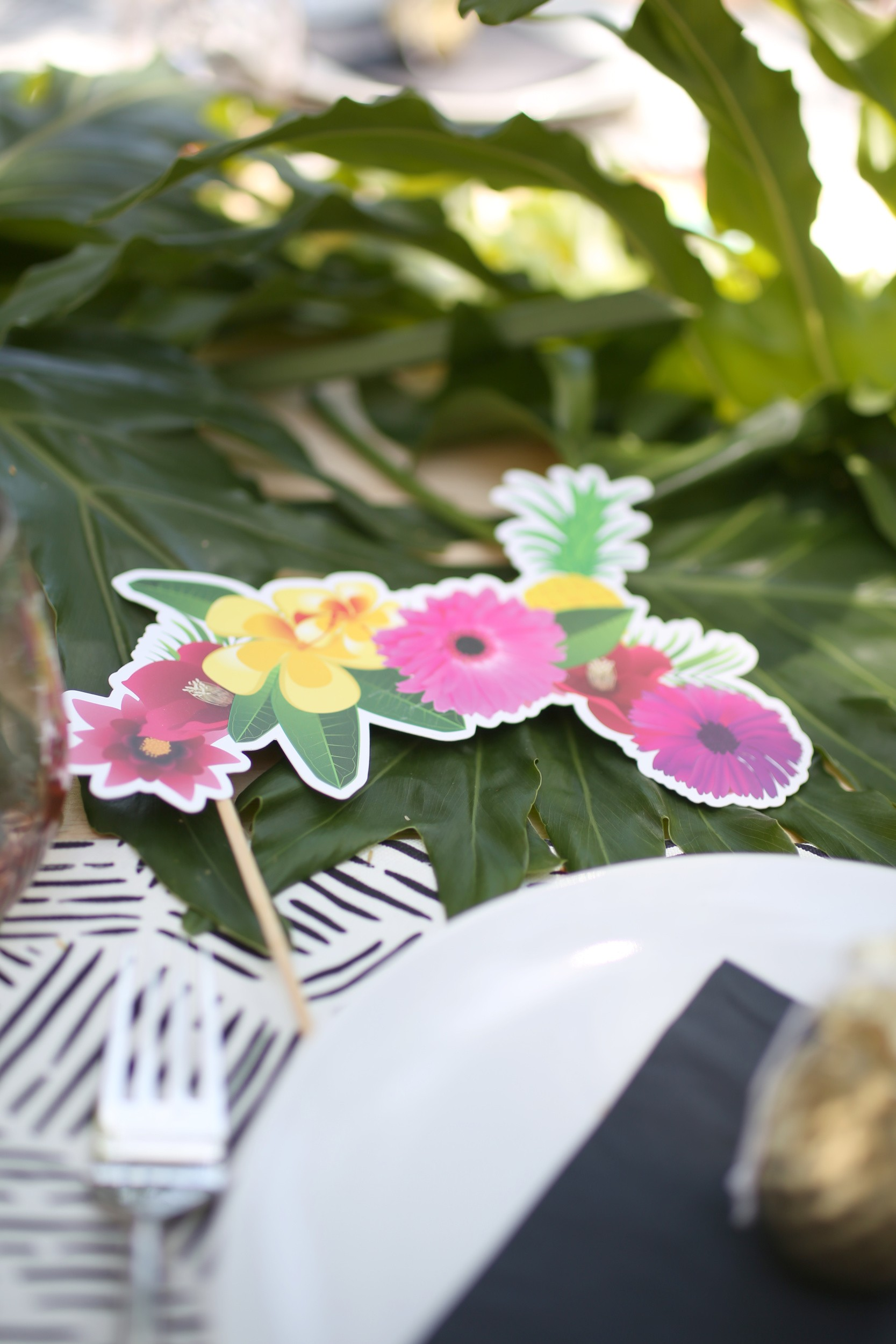 Tropical summer party, BANANA over TROPICANA: Hosting a Tropical Summer Party.