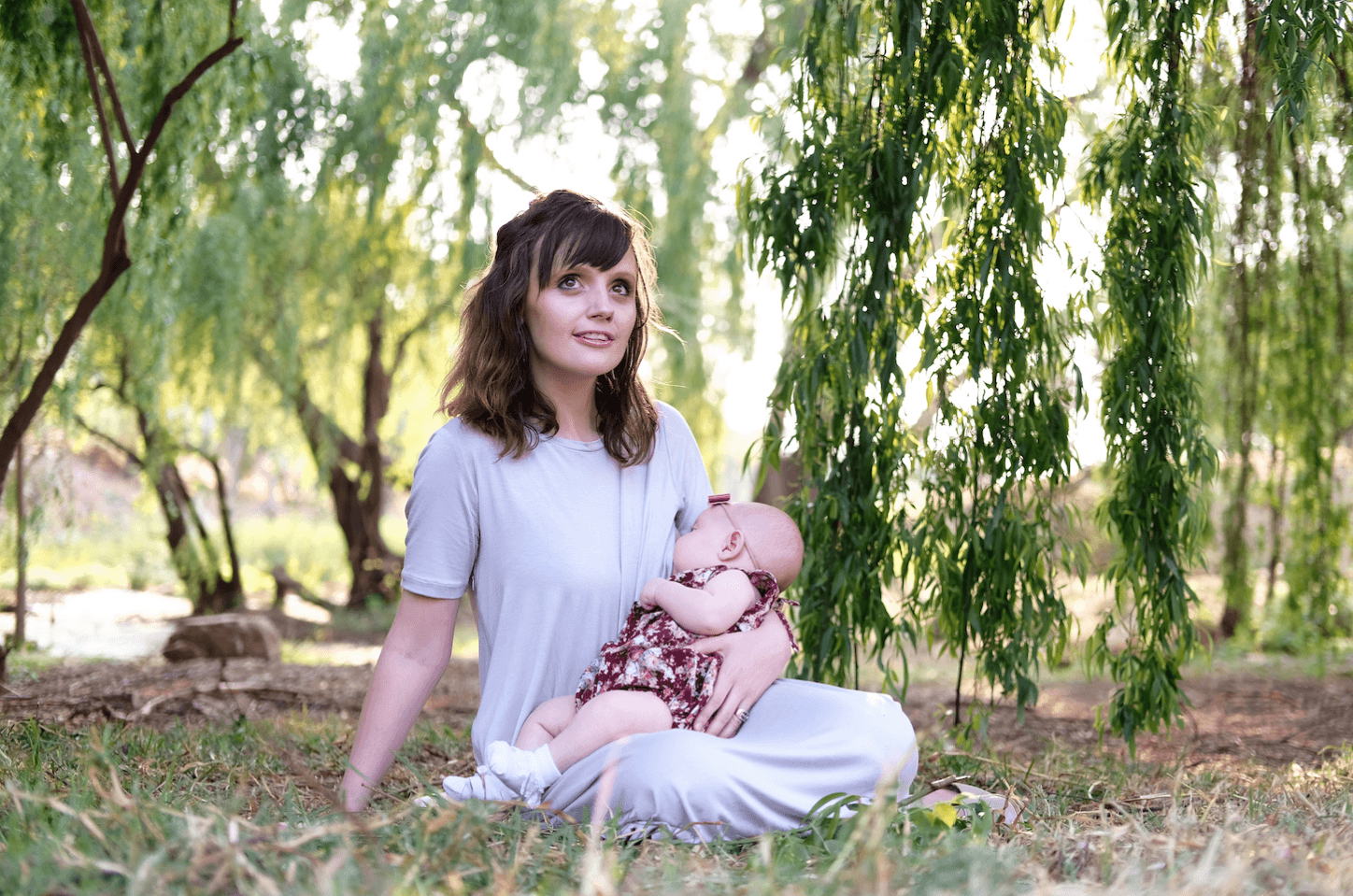 Momsy: Breastfeeding in style and ease.