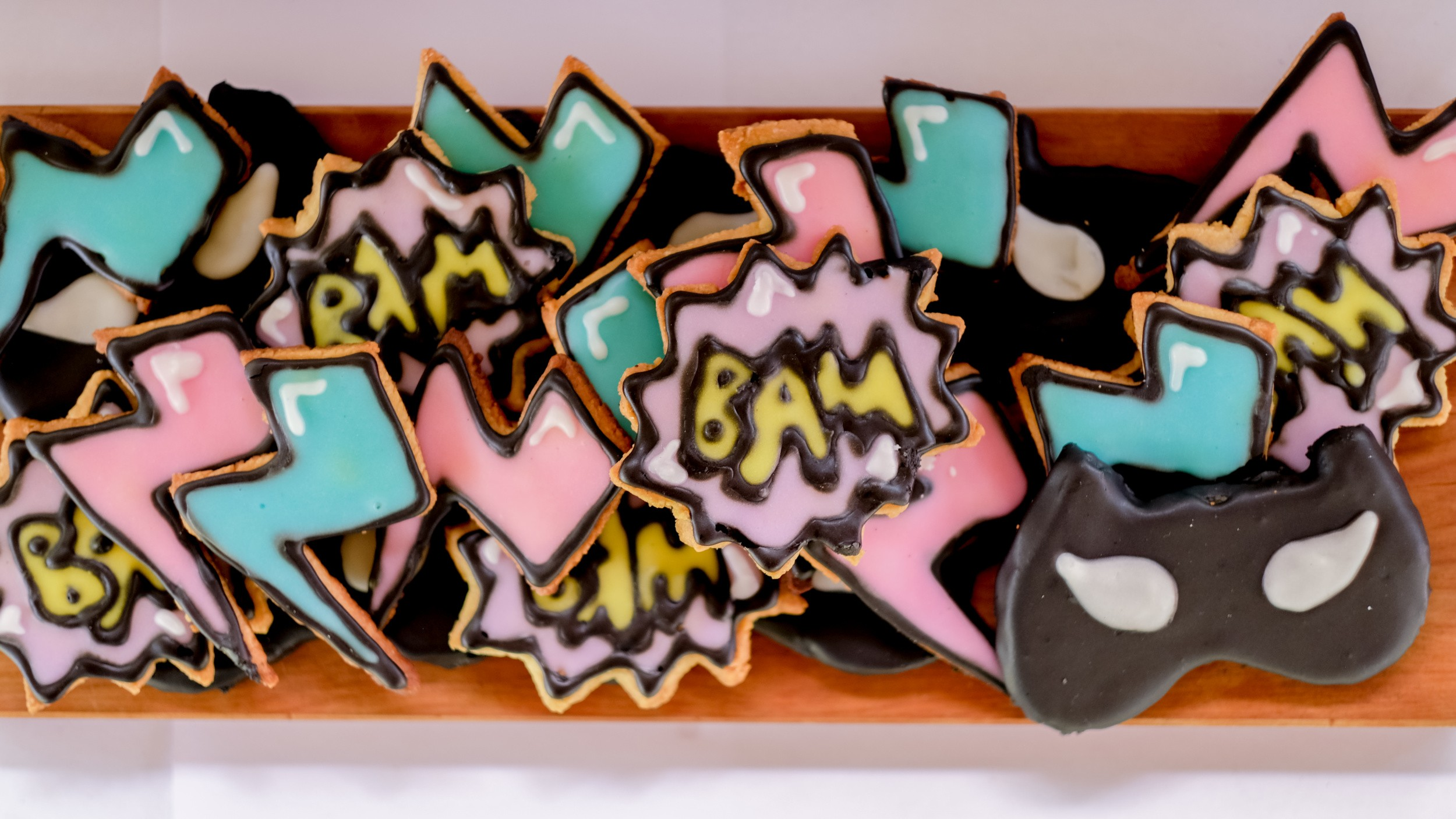 Superhero birthday party DIY cookies