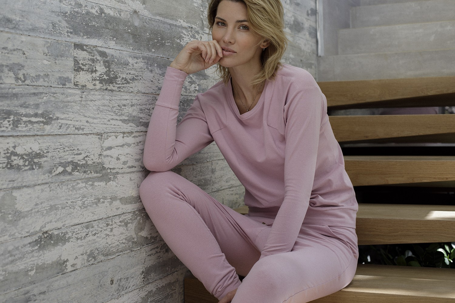 BEAUTIFUL-FEMININE-PYJAMAS
