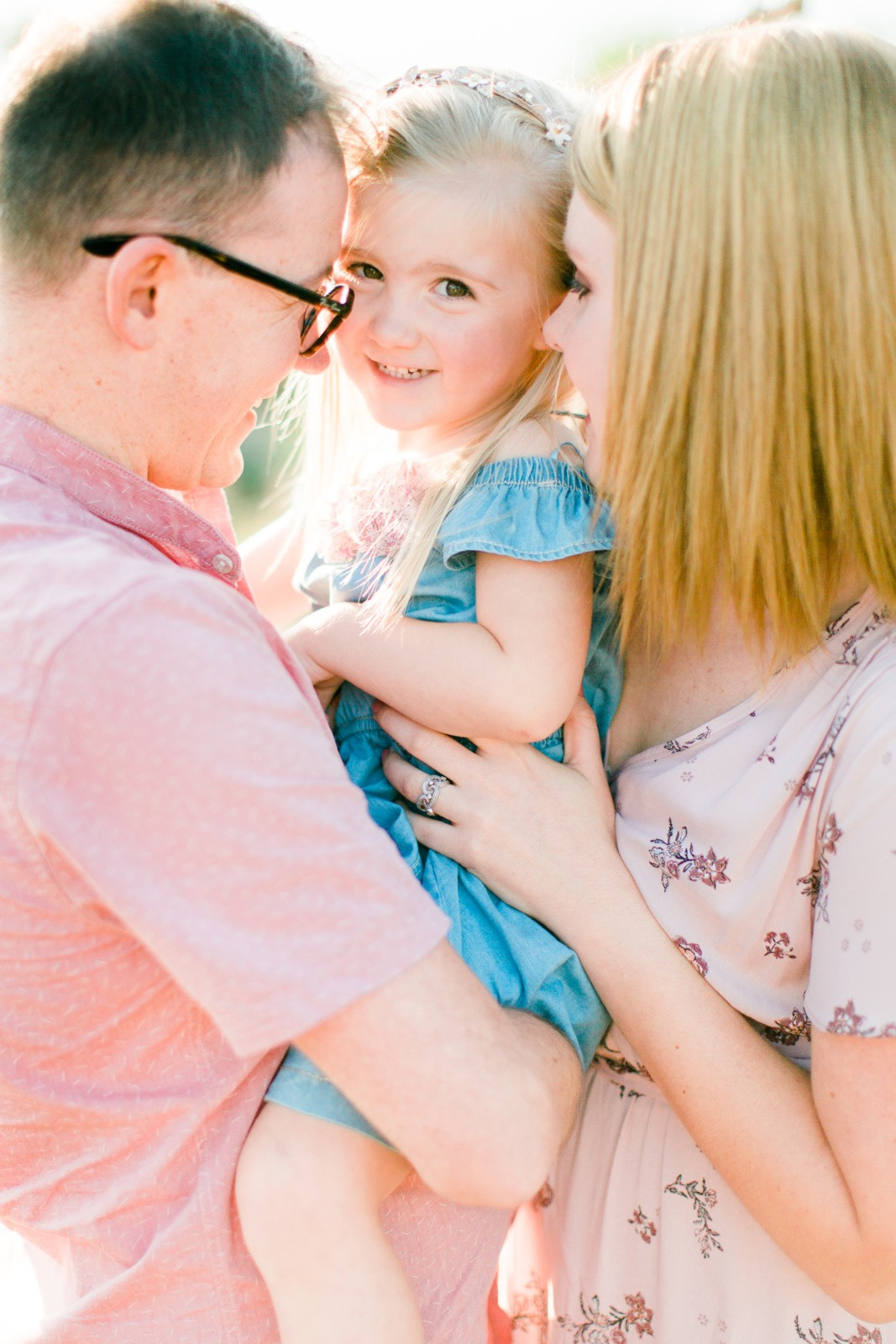 Beautiful-family-lifestyle-shoot