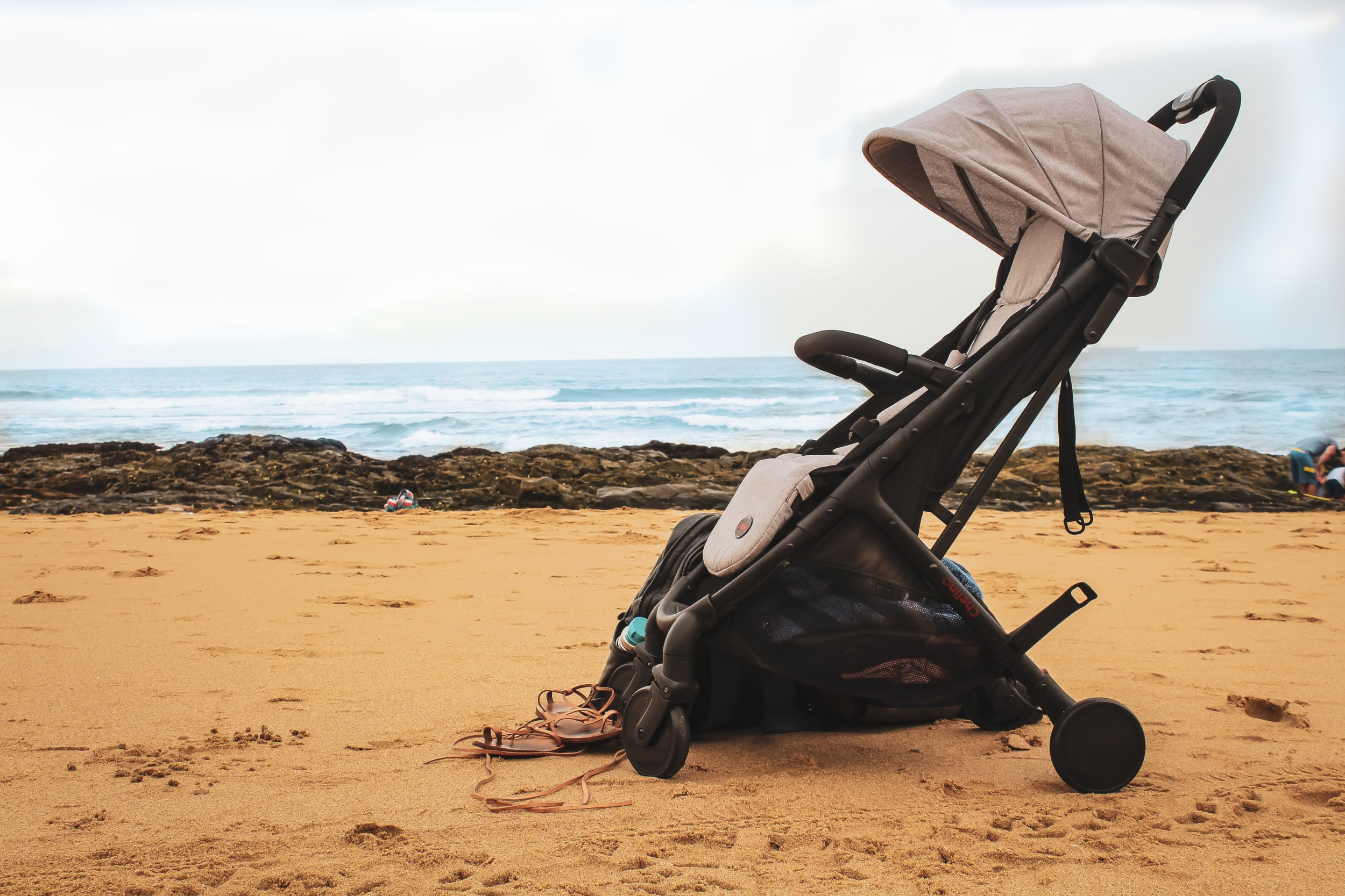 Travel-stroller-for-airplanes
