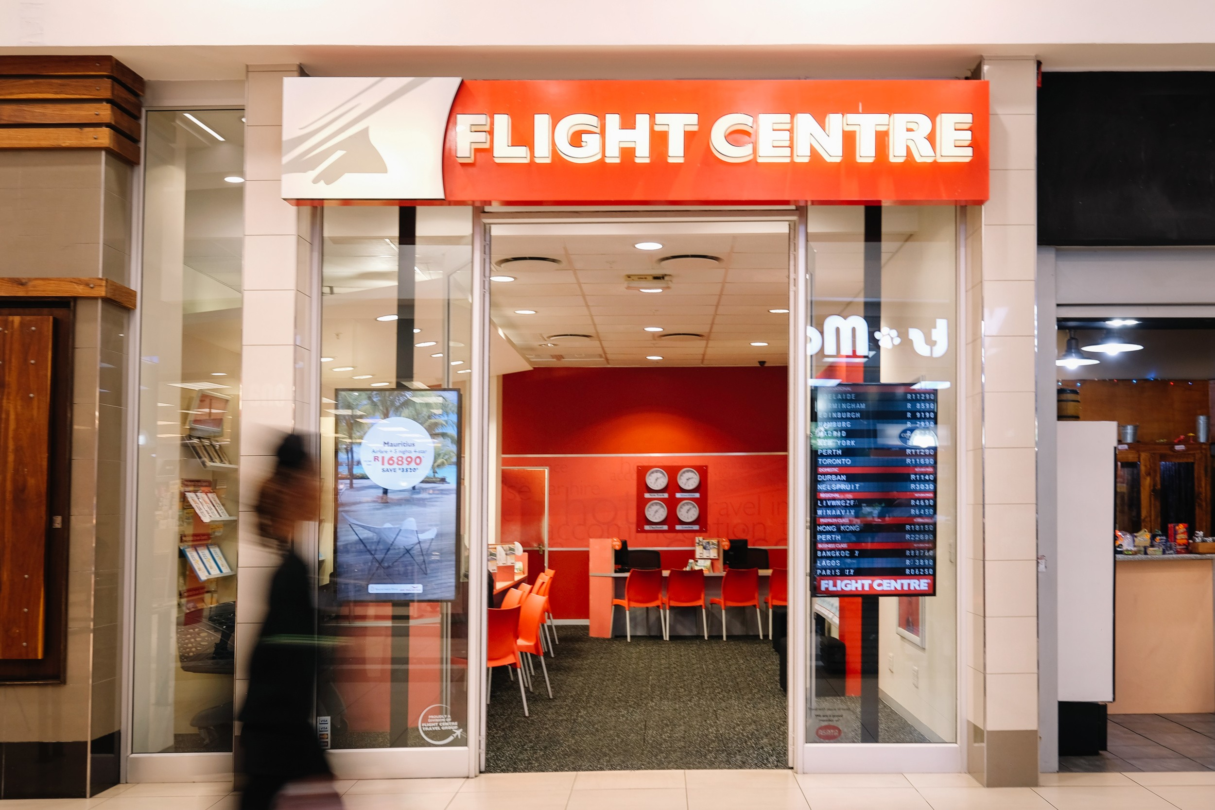 Flight-Centre-at-The-Grove-Mall