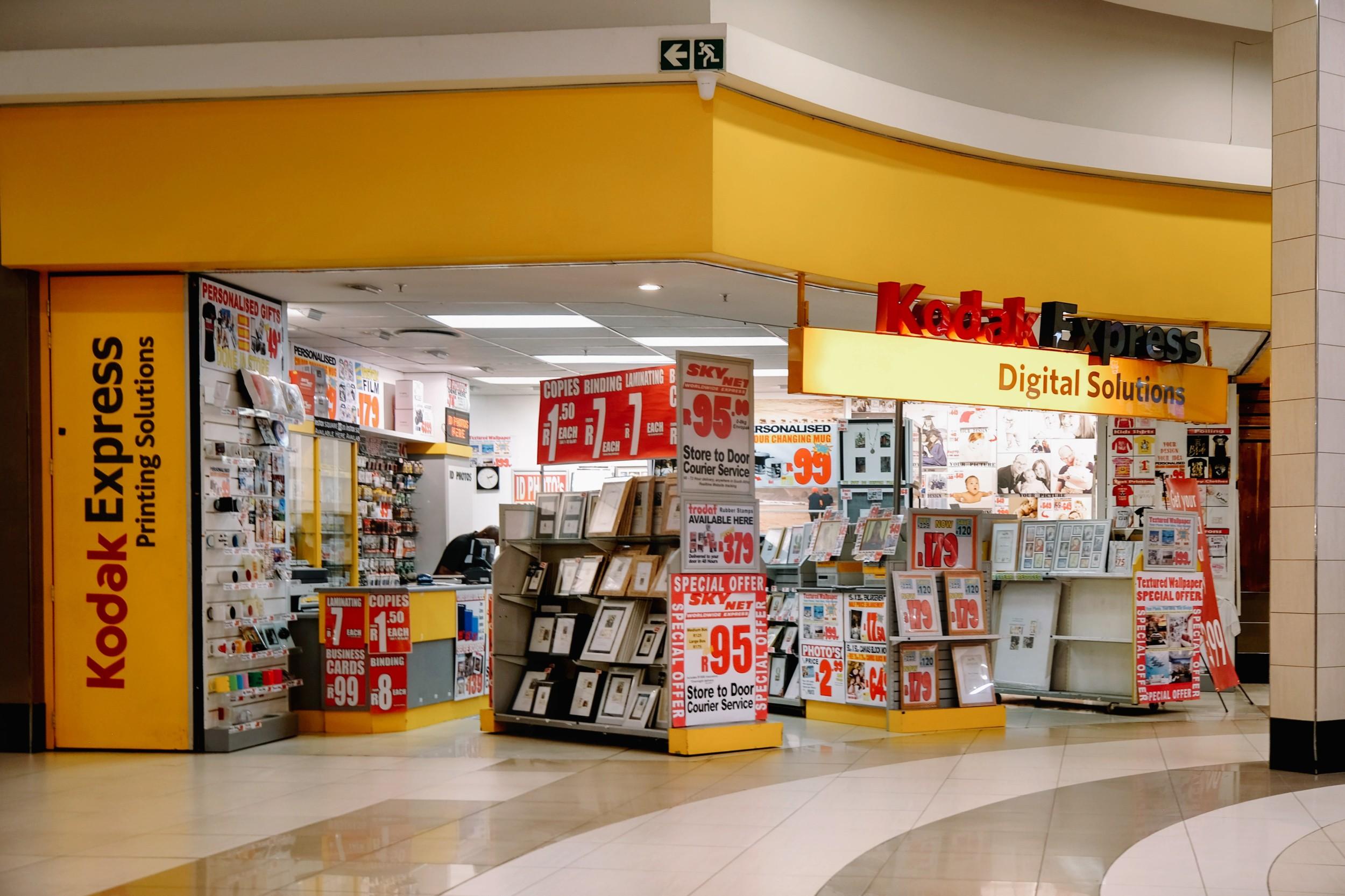 Kodak-Express-at-The-Grove-Mall