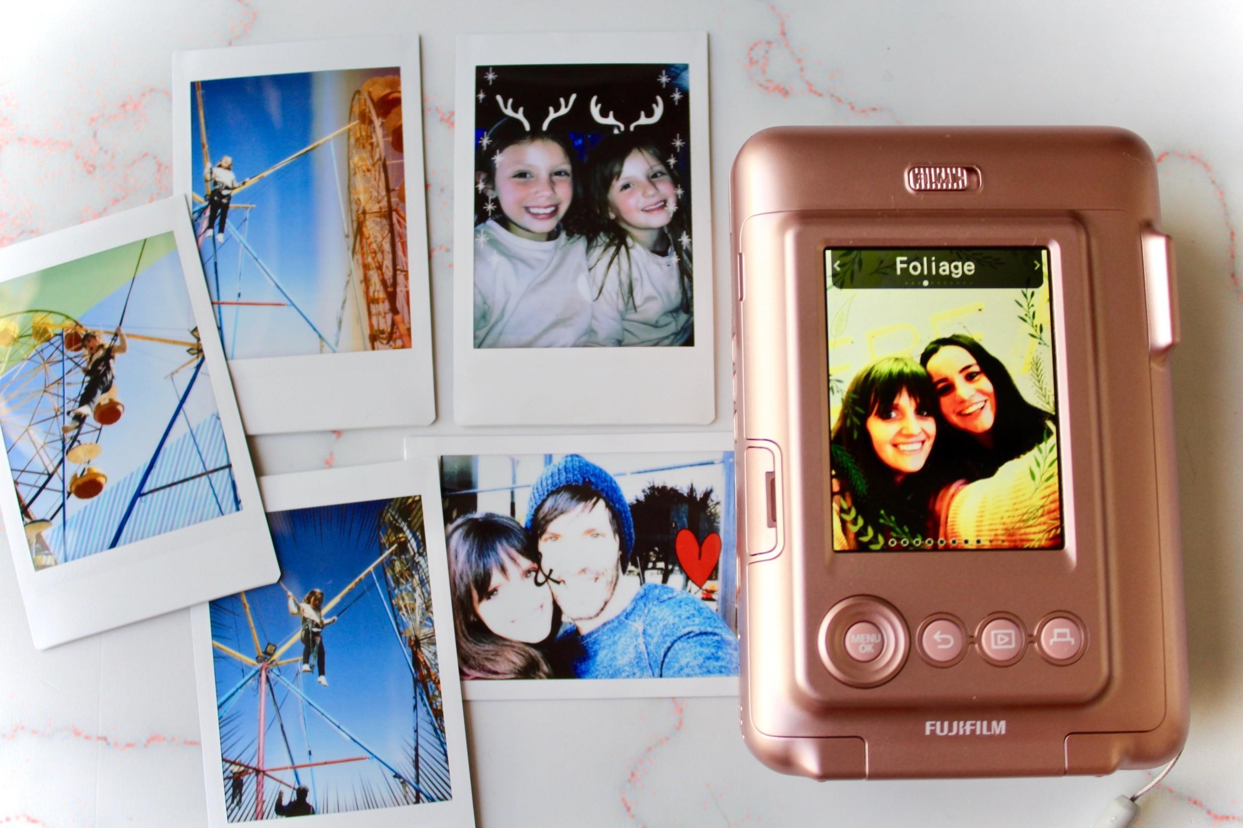 Just-a-Mamma-Blog-Instax-LiPlay-Review -Applying-frames7215