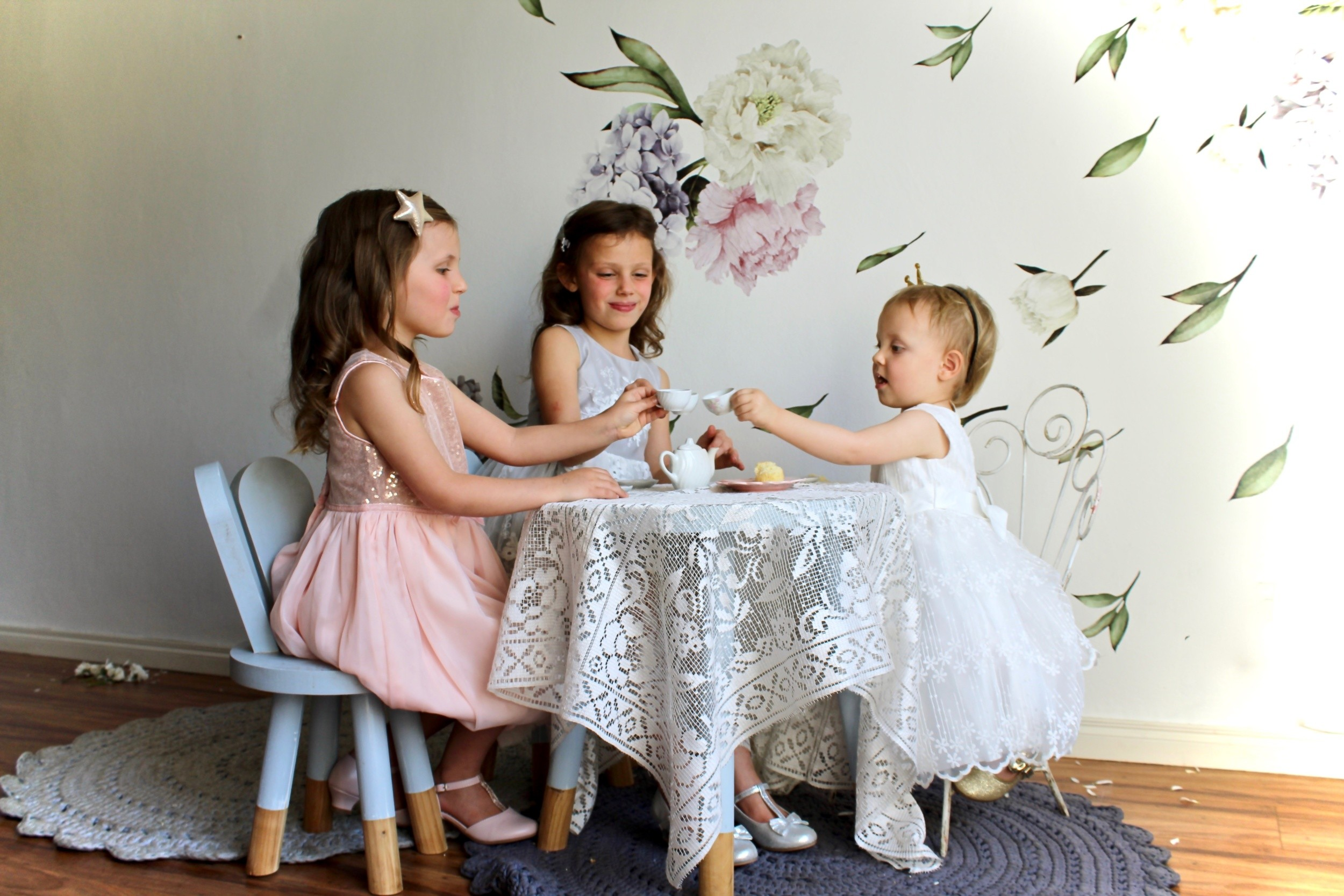 Pretty Party dresses for girls by KEEDO