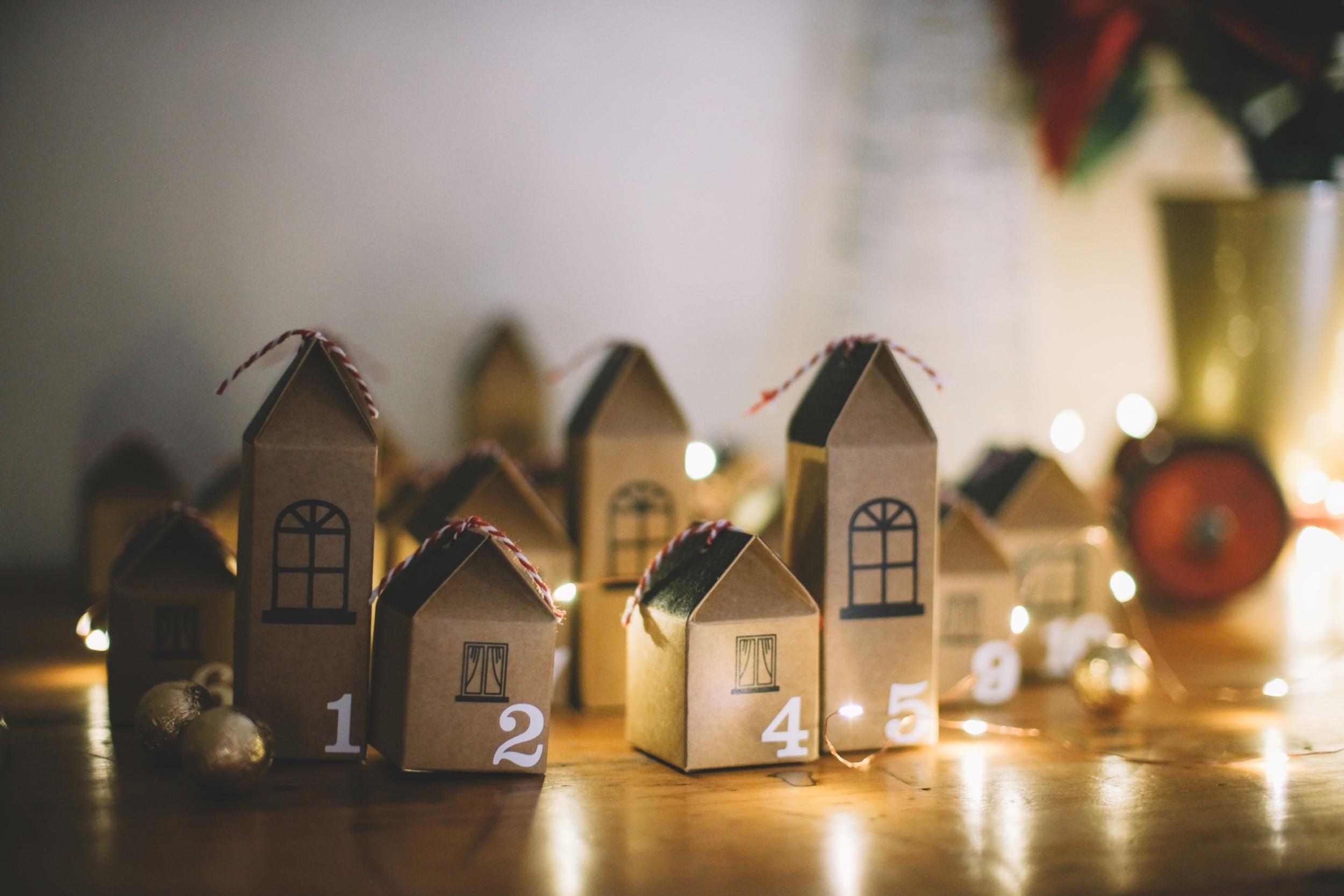 Last minute mom hacks: Advent Calendar ideas