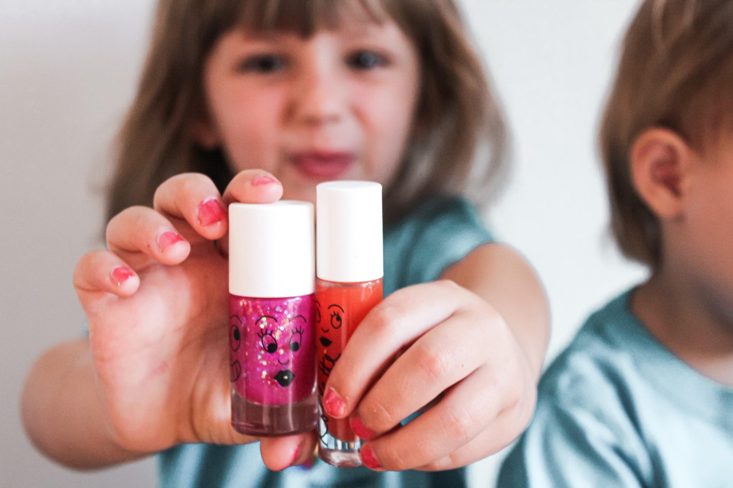 Eco-friendly kids cosmetics