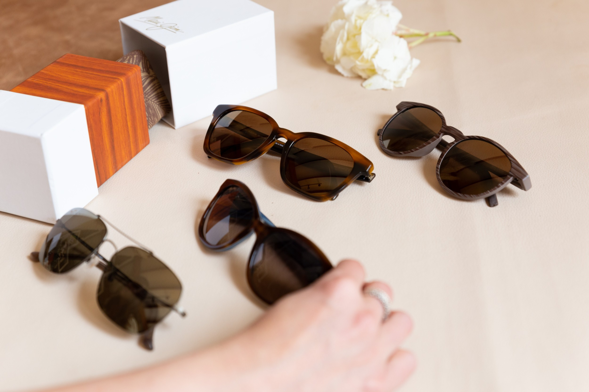 How to choose the right sunglass frames scaled