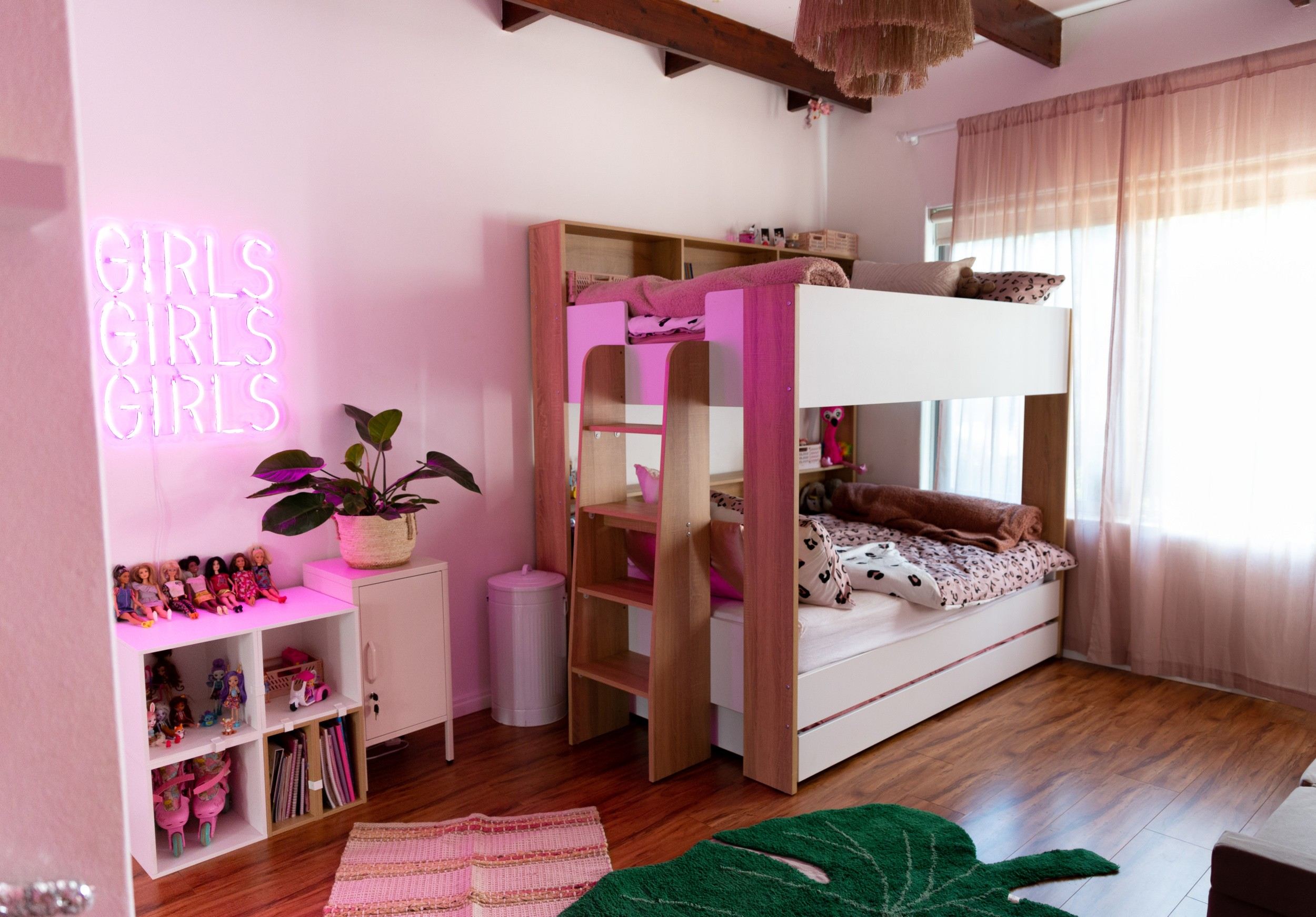 just a mamma blog leopard print girls room 6860